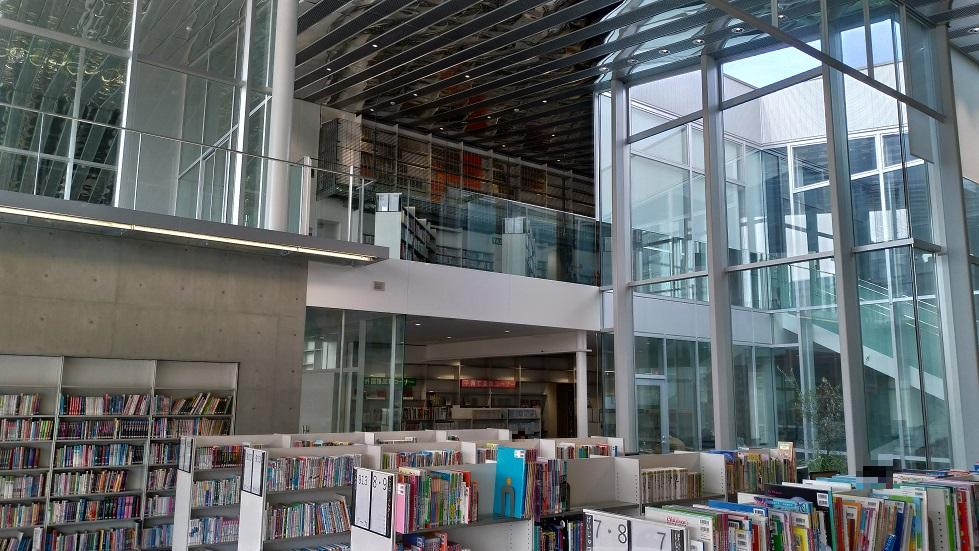 野々市市立図書館カレード2